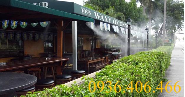 Hệ thống phun sương quán cà phê