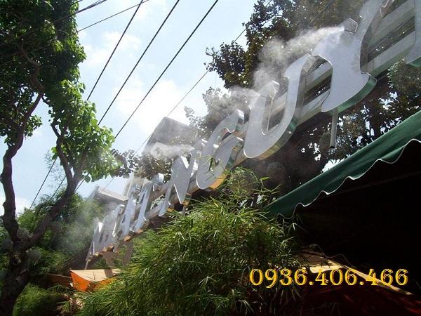 máy phun sương FOG 1109
